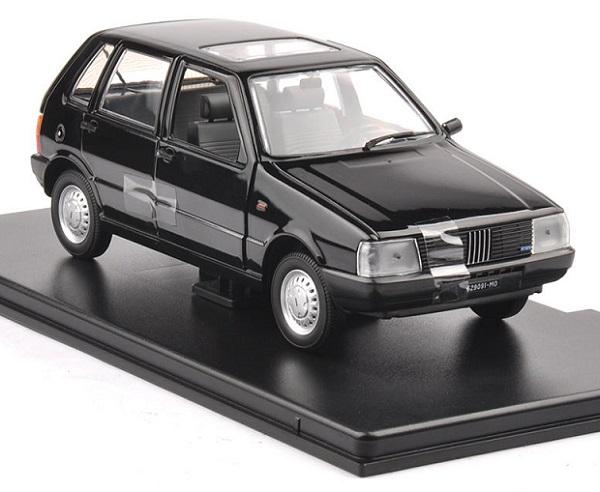 โมเดลรถเหล็ก โมเดลรถยนต์ Fiat Uno 55S black 2