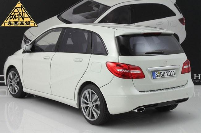 โมเดลรถ โมเดลรถเหล็ก โมเดลรถยนต์ Benz B Class White 3