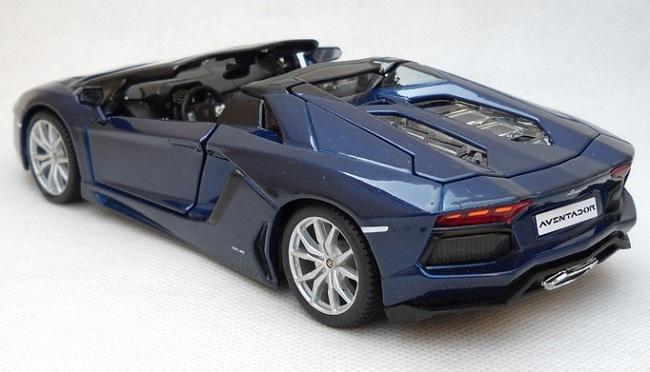 โมเดลรถ โมเดลรถเหล็ก lamborghini aventador blue 2