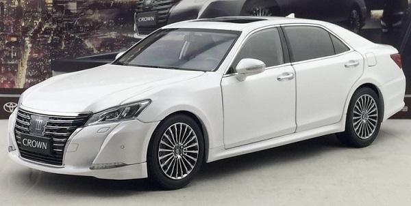 โมเดลรถ โมเดลรถเหล็ก โมเดลรถยนต์ toyota crwon 2015 white 1
