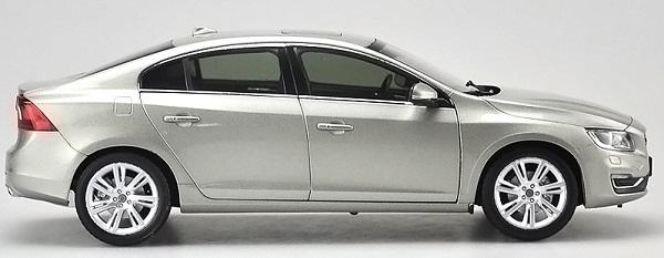 โมเดลรถ โมเดลรถเหล็ก โมเดลรถยนต์ Volvo S60L silver 3