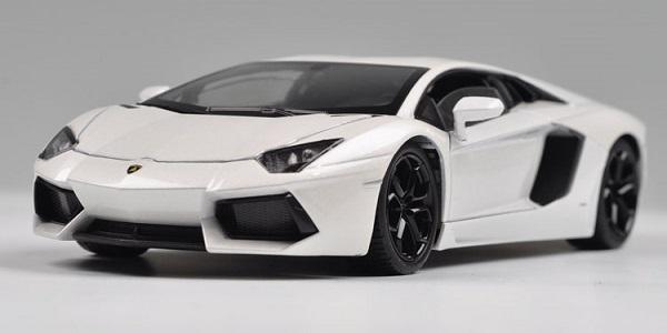 โมเดลรถ โมเดลรถยนต์ โมเดลรถเหล็ก Lamborghini lp700-4 white 1