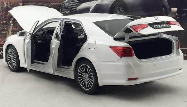 โมเดลรถ โมเดลรถเหล็ก โมเดลรถยนต์ toyota crwon 2015 white 4
