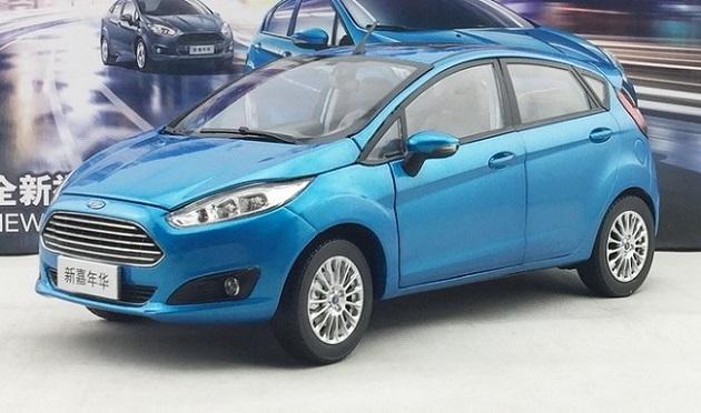 โมเดลรถ โมเดลรถเหล็ก โมเดลรถยนต์ Ford Fiesta 2013 blue 1