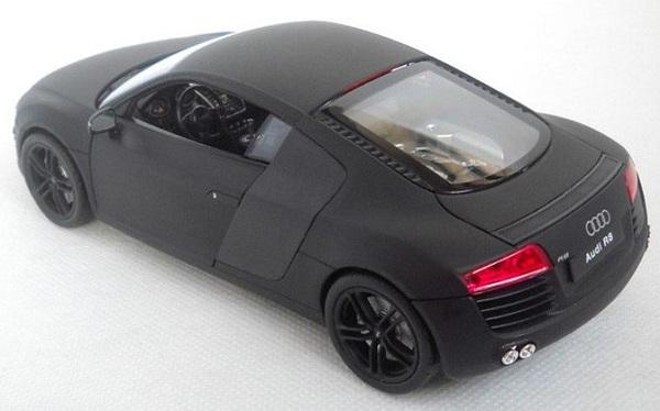 โมเดลรถเหล็ก โมเดลรถยนต์ Audi R8 ดำด้าน 2