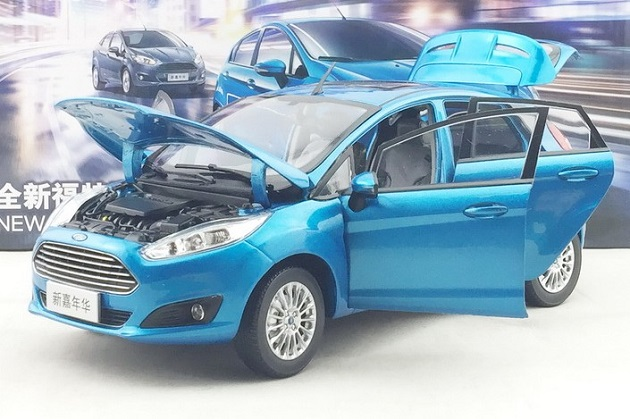 โมเดลรถ โมเดลรถเหล็ก โมเดลรถยนต์ Ford Fiesta 2013 blue 3