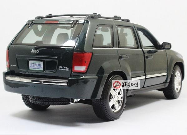 โมเดลรถ โมเดลรถเหล็ก โมเดลรถยนต์ Jeep Grand Cherokee green 2