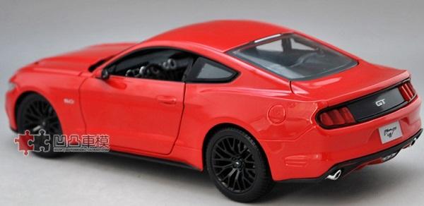 โมเดลรถ โมเดลรถเหล็ก โมเดลรถยนต์ Ford Mustang 2015 แดง 3