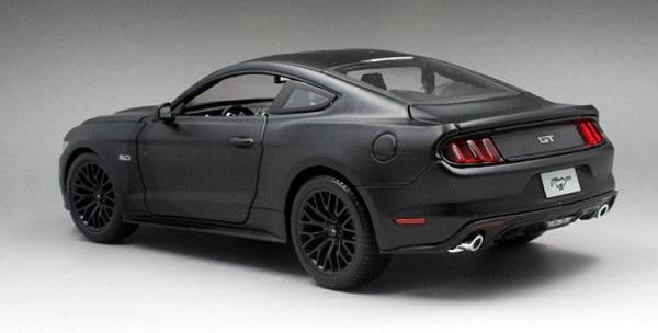 โมเดลรถ โมเดลรถเหล็ก โมเดลรถยนต์ Ford Mustang 2015 ดำด้าน 2