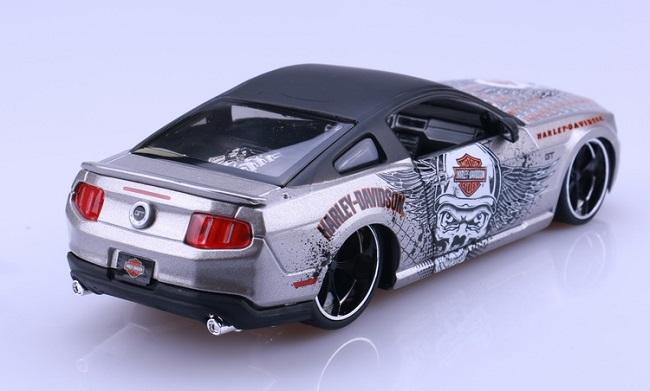 โมเดลรถ รถเหล็ก โมเดลรถเหล็ก โมเดลรถยนต์ Ford Mustang 2011 3