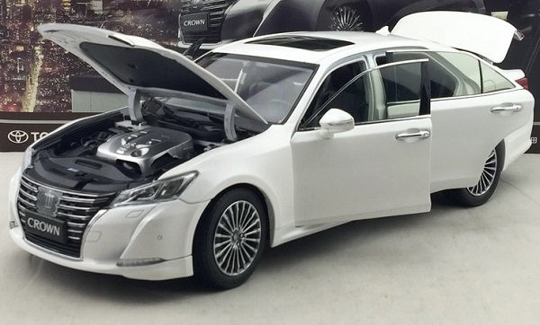 โมเดลรถ โมเดลรถเหล็ก โมเดลรถยนต์ toyota crwon 2015 white 3
