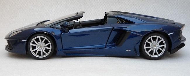โมเดลรถ โมเดลรถเหล็ก lamborghini aventador blue 3