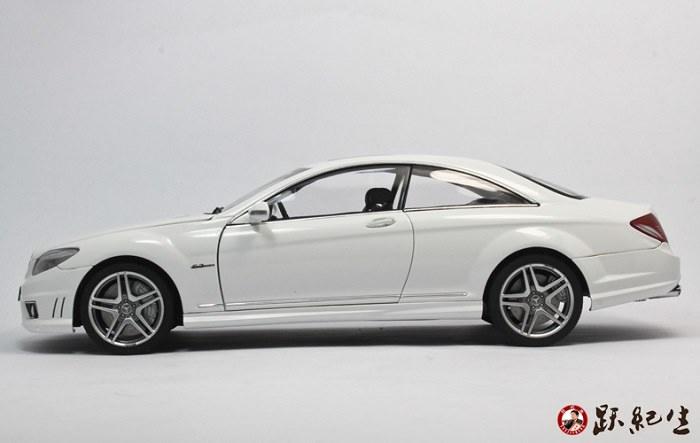 โมเดลรถ โมเดลรถเหล็ก โมเดลรถยนต์ Benz CL63 amg white 5