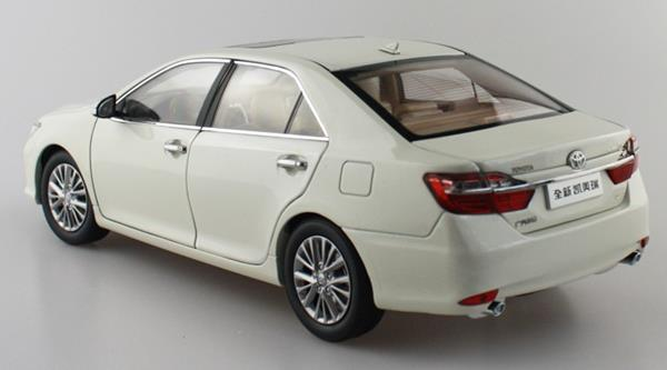 โมเดลรถ โมเดลรถเหล็ก โมเดลรถยนต์ toyota camry 2015 white 3