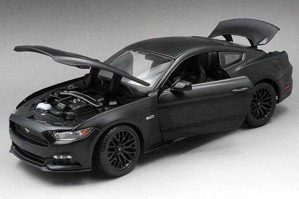 โมเดลรถ โมเดลรถเหล็ก โมเดลรถยนต์ Ford Mustang 2015 ดำด้าน 4
