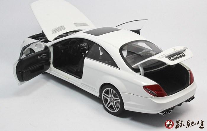 โมเดลรถ โมเดลรถเหล็ก โมเดลรถยนต์ Benz CL63 amg white 4