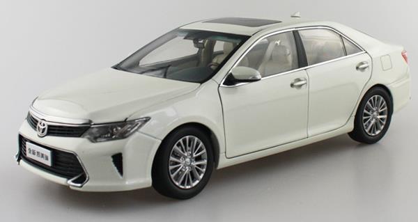 โมเดลรถ โมเดลรถเหล็ก โมเดลรถยนต์ toyota camry 2015 white 1