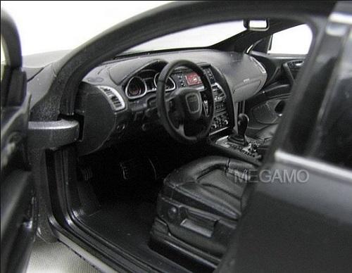 Audi R8 ดำด้าน 7