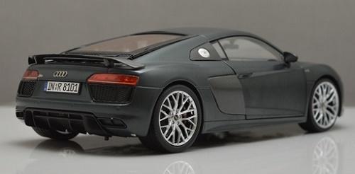 โมเดลรถ โมเดลรถเหล็ก โมเดลรถยนต์ Audi R8 V10 2017 grey 3
