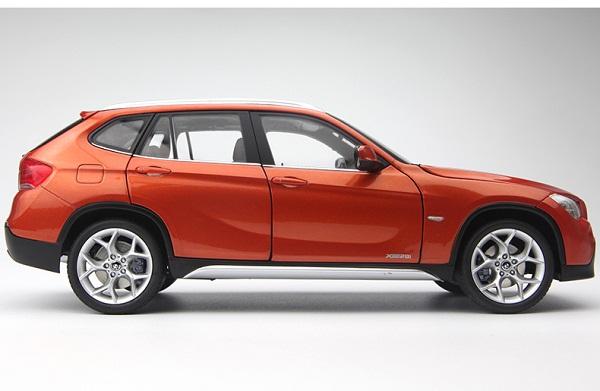 โมเดลรถ โมเดลรถเหล็ก โมเดลรถยนต์ BMW X1 Drive 28I orange 3